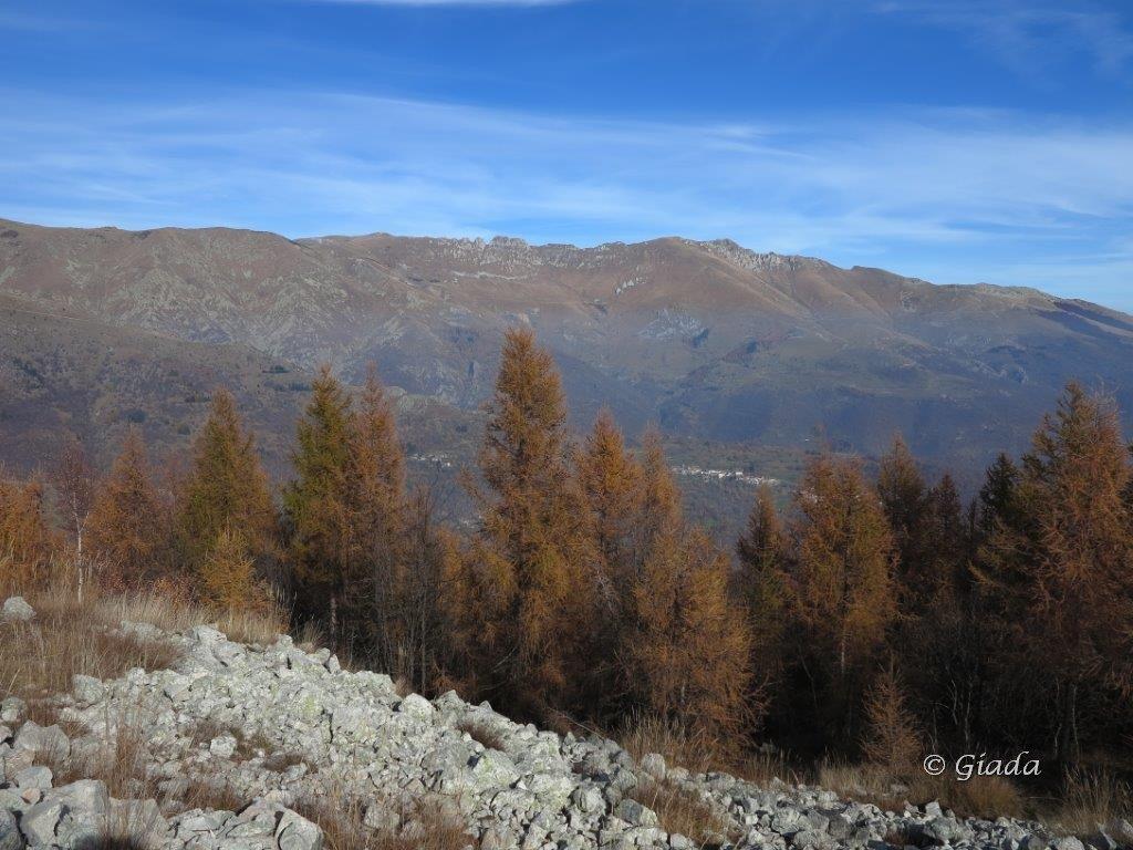 Vista dal Poggio La Colma verso Chionea e l'Antoroto