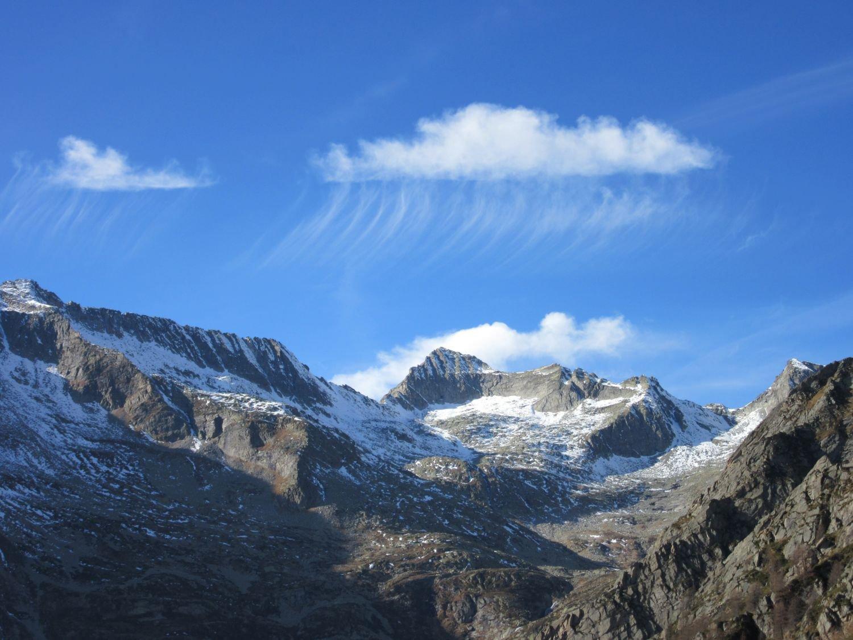Giochi di nuvole  verso il Passo Mondelli