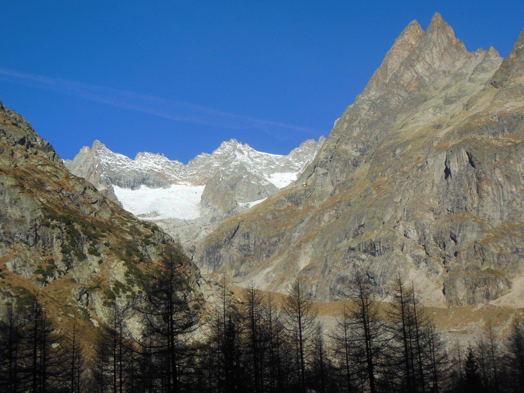 Morena, ghiacciaio del Triolet e rifugio