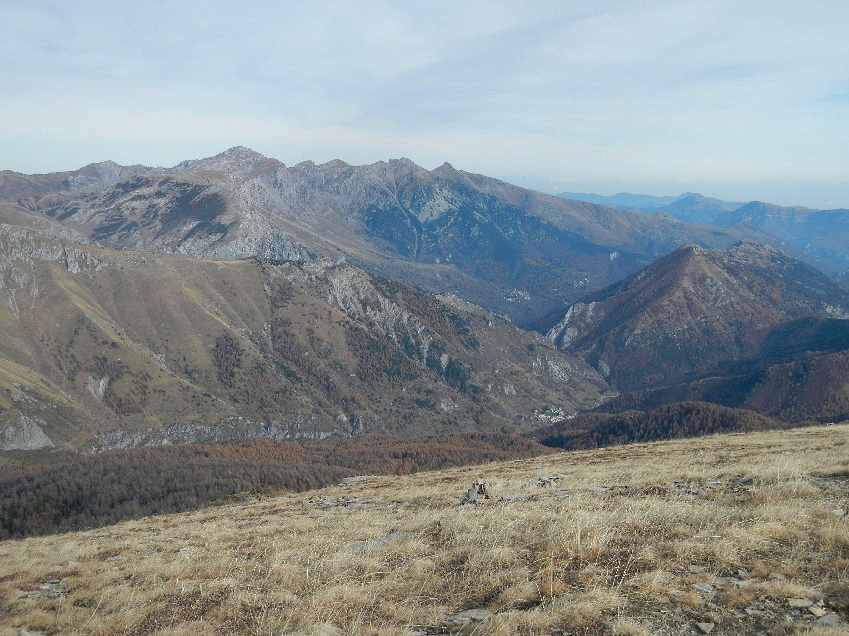 dal Monte Bertrand vista su Upega, Mongioie e Pizzo D'Ormea