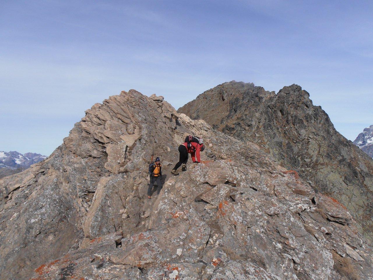 il passaggio più stretto se si segue la cresta - aggirabile con sentiero su versante ovest