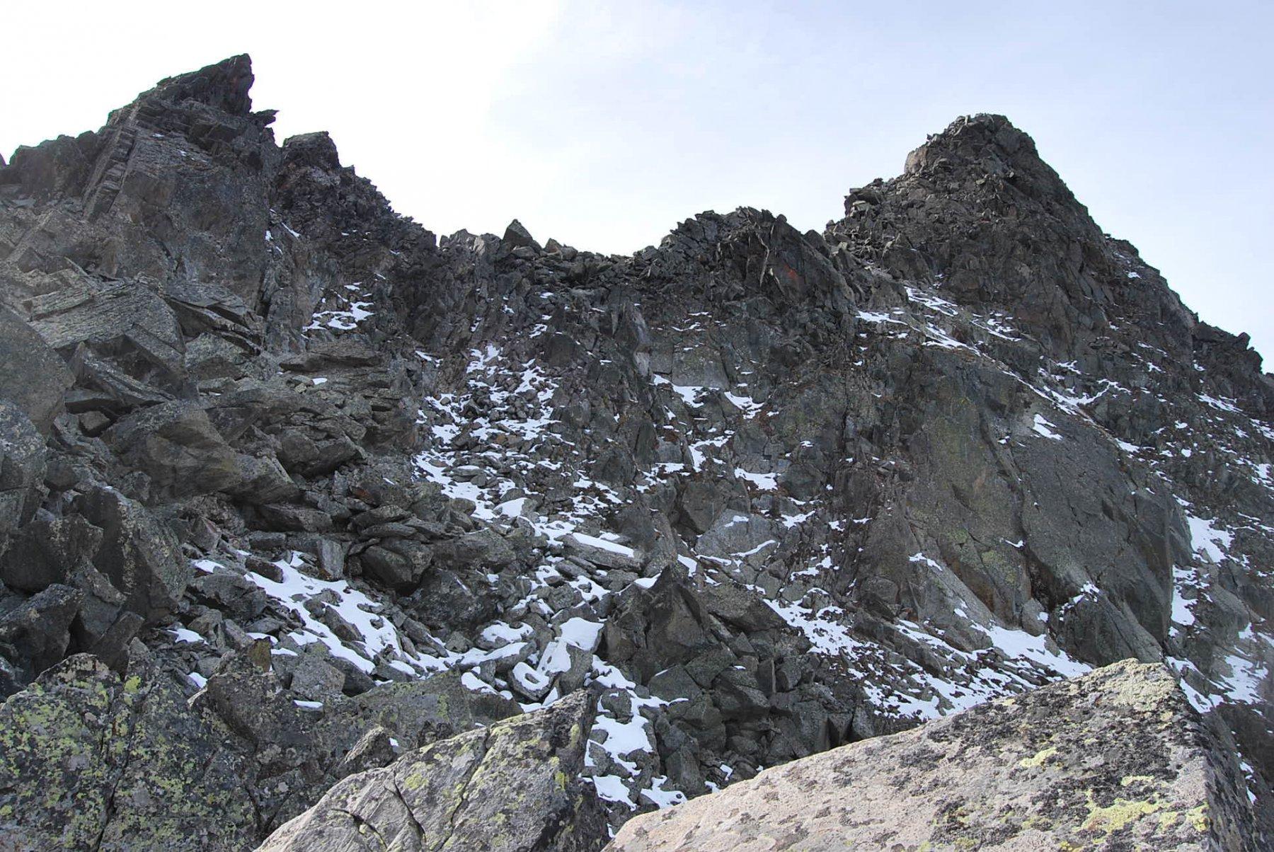 Dalla cresta sottostante: il versante di salita all'Aig. Clapet