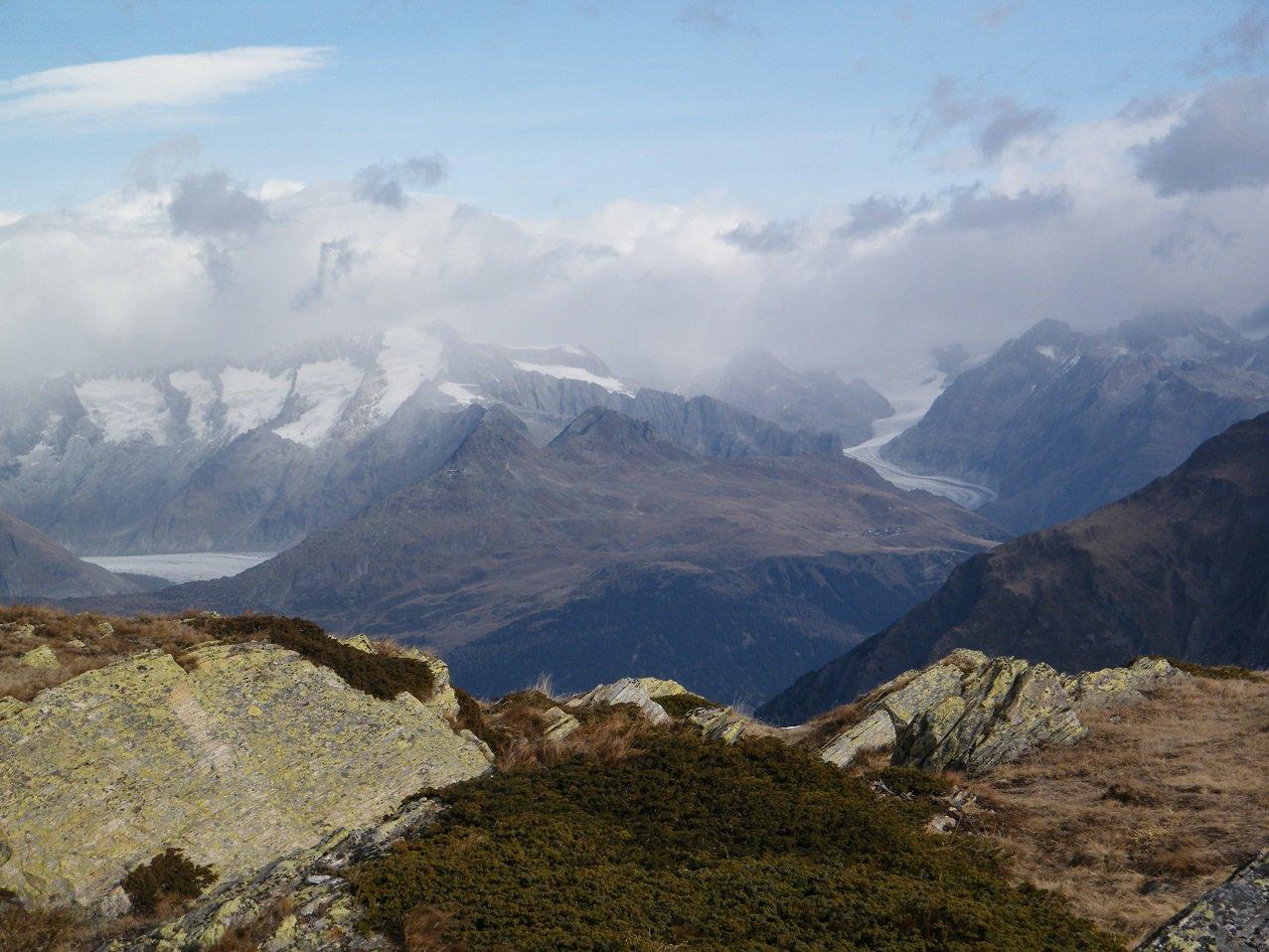 Dalla vetta dello Staldhorn panorama verso l'Oberland