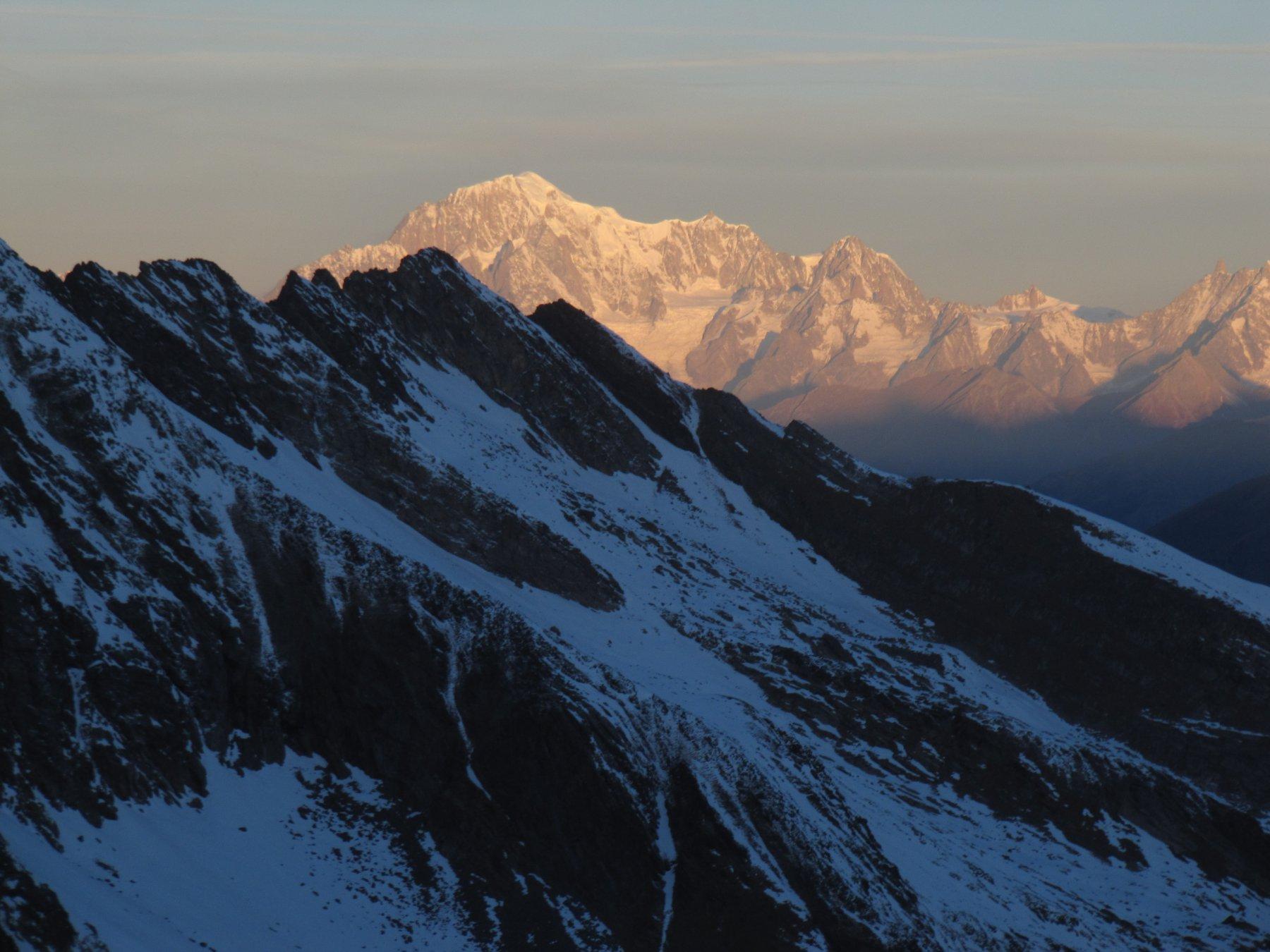 Alba sul Monte Bianco