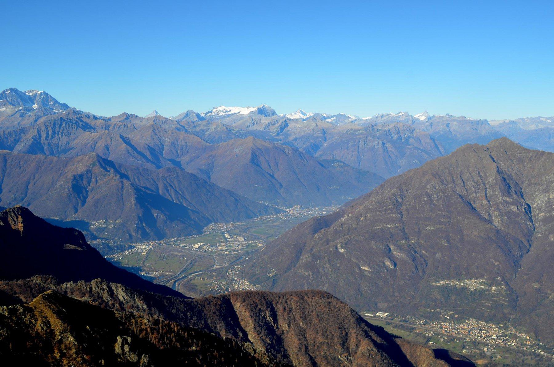 Bietschhorn, Leone, Finsteraarhorn, Cistella e paesi di Premosello, Piedimulera, Villadossola