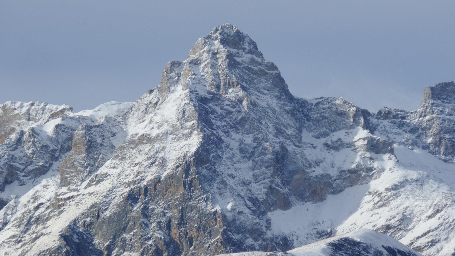 il Monte Chersogno appena imbiancato da una spolverata di neve (21-11-2015)