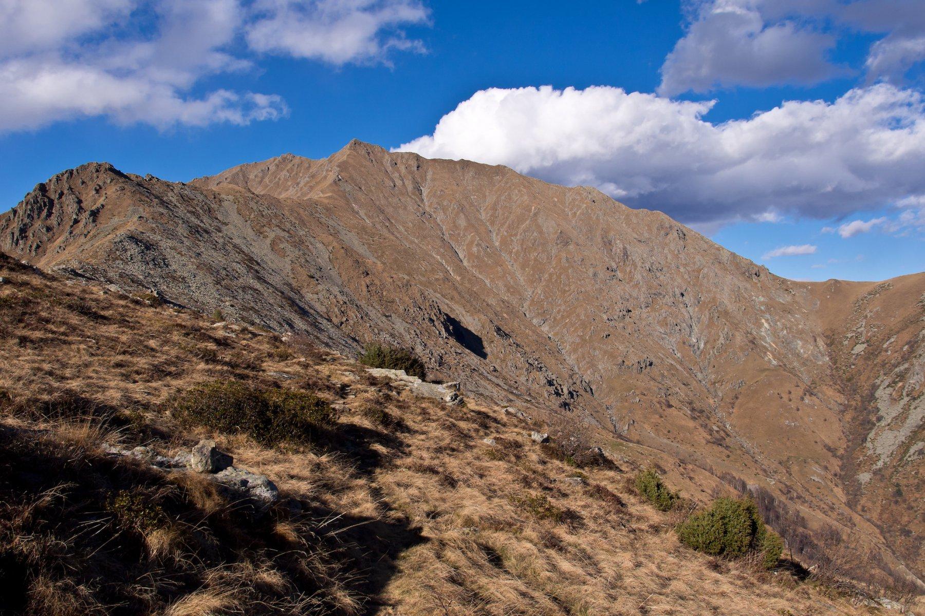 La cresta da percorrere dai pressi della punta di Costafiorita