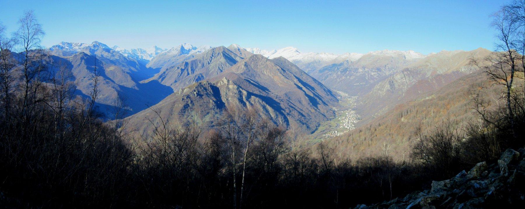 Panorama salendo lungo il sentiero
