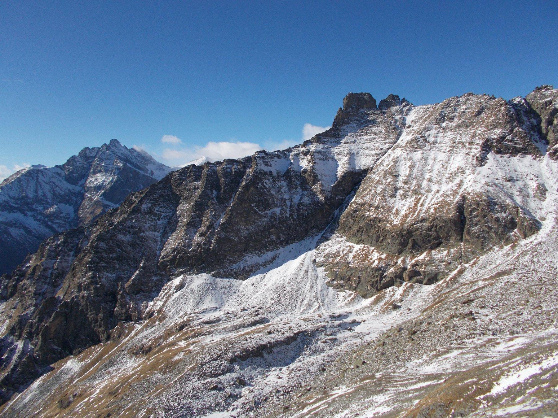 Monte Lera e P.Corna..dalle pendici della Torre D'ovarda..