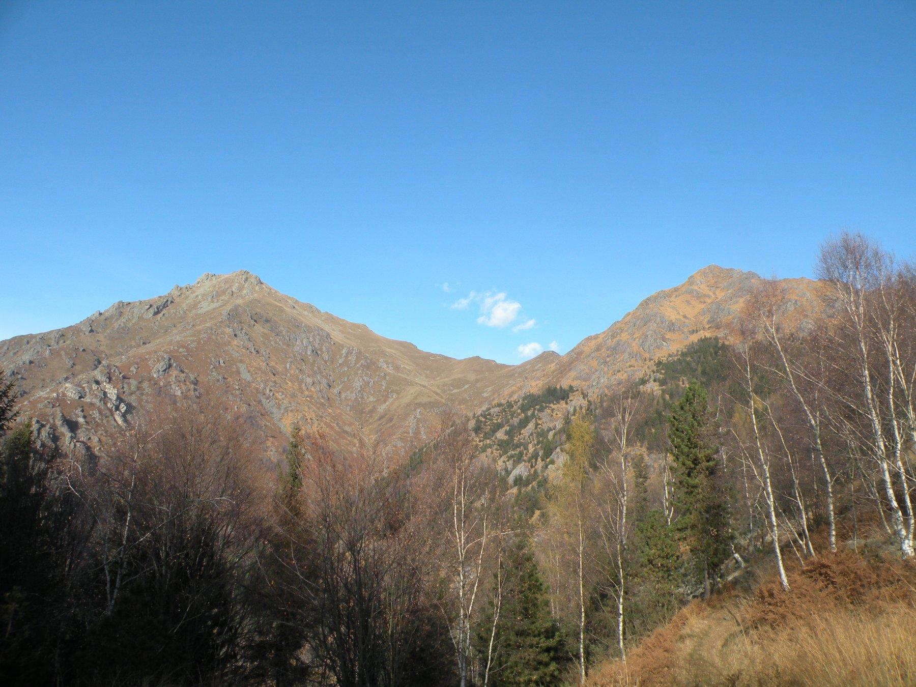 Barone di Coggiola (Monte) da le Piane, anello per Monte Gemevola, Punta Pissavacca, Rifugio Monte Barone 2015-11-29