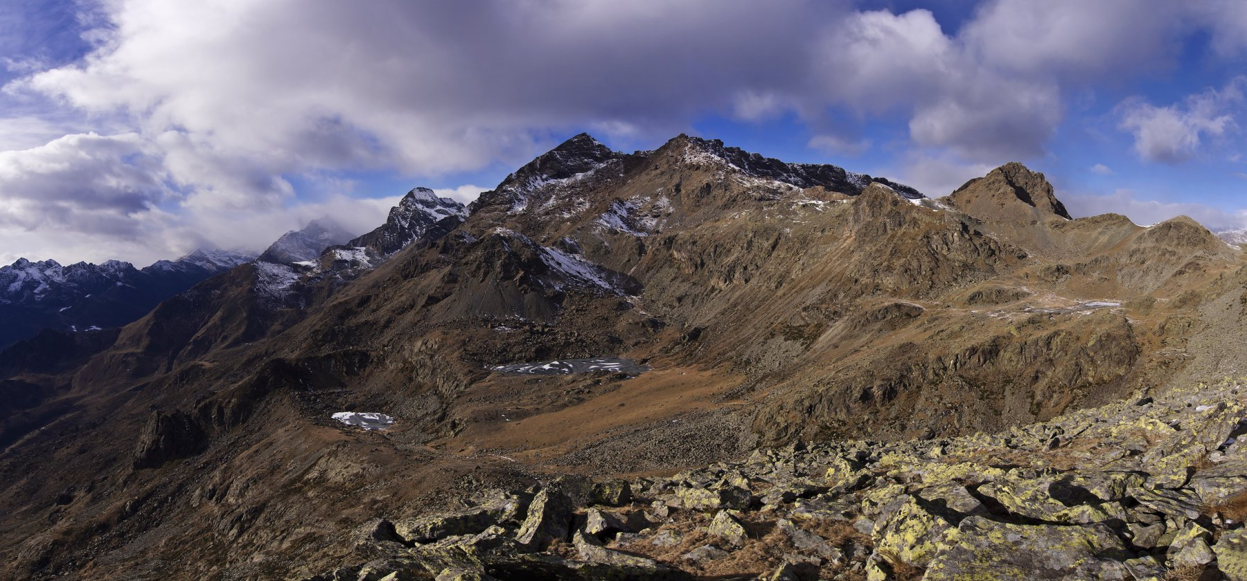 Le montagne del Vallone d'Ovarda: da sinistra Torre d'Ovada, Ciorneva, Cima la Rossa, Monte Rosso d'Ala