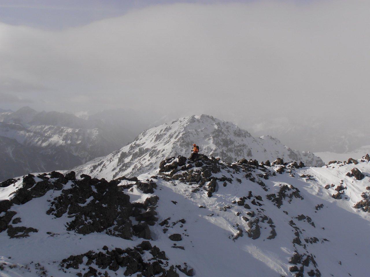 Miesh sulla cresta finale... un anno fa si arrivava in cima sci ai piedi