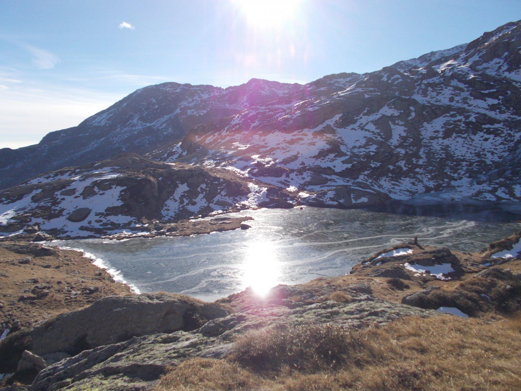 il lago della Furce dalle pendici del Mariasco..