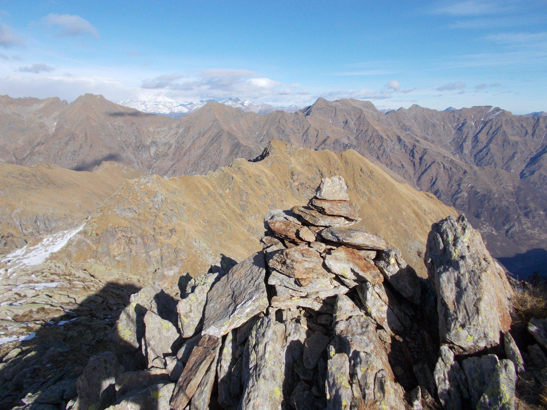 la P.di Mariasco alquanto lontana..qui vista dalla P.della Furce..