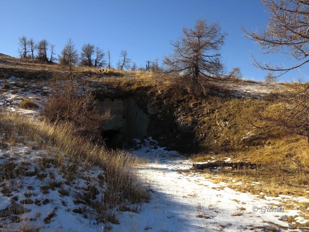Uno degli ingressi della grande opera del Vallo Alpino al Balcone di Marta