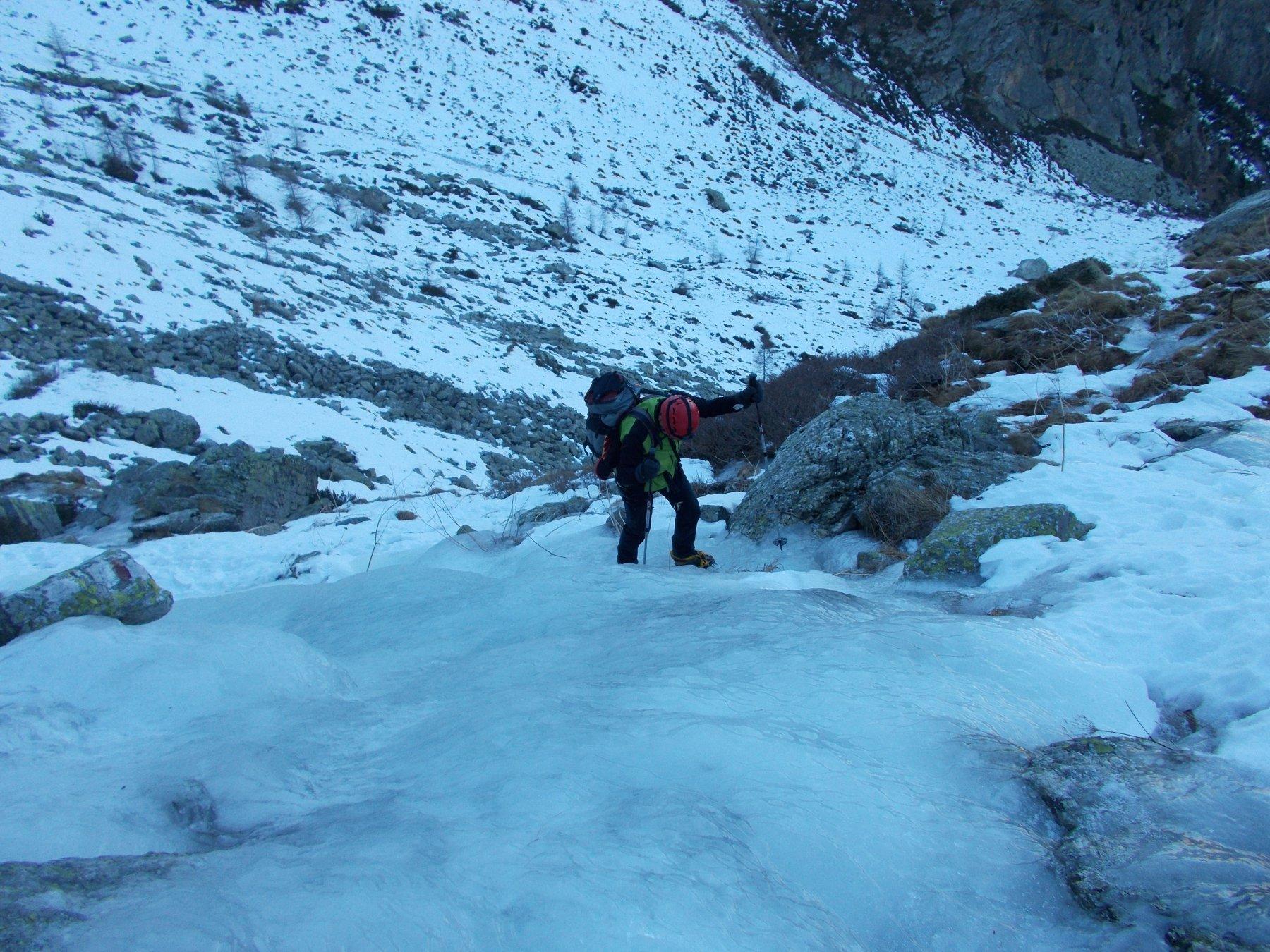 sul sentiero di ghiaccio..in punta di ramponi..