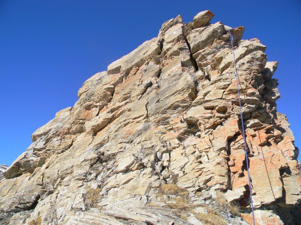 unico muro + impegnativo, alto circa 15m verticali, esposto...subito all'inizio