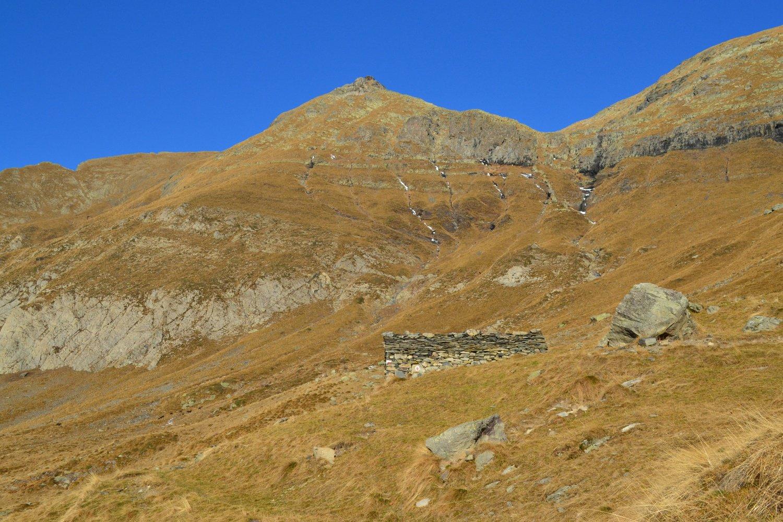 il Monte Masoni visto nei pressi dell'omonima baita
