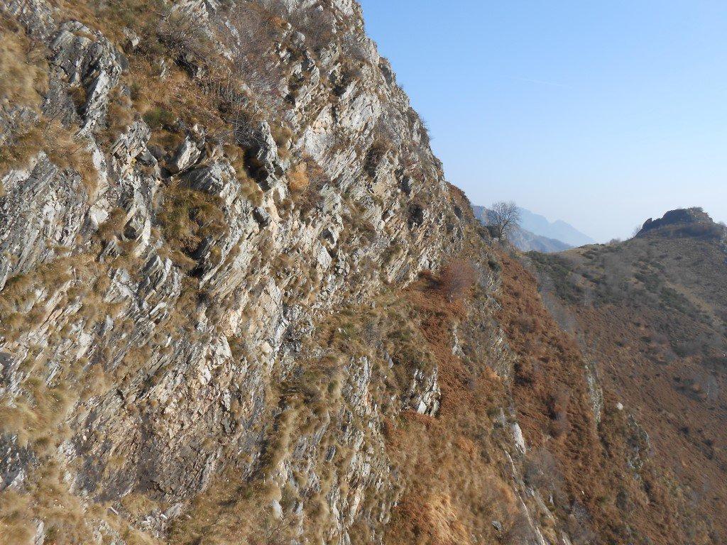 La bella cengia che ci riporta all'alpe Colla
