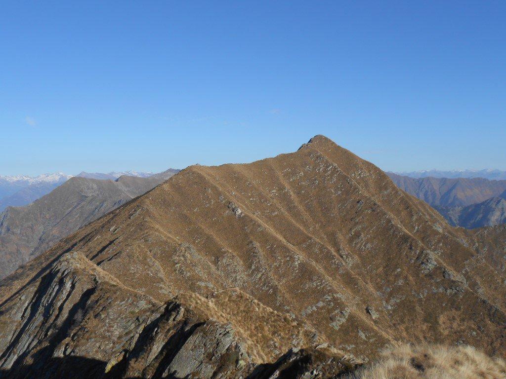 La cresta che porta alla Punta della Rossola