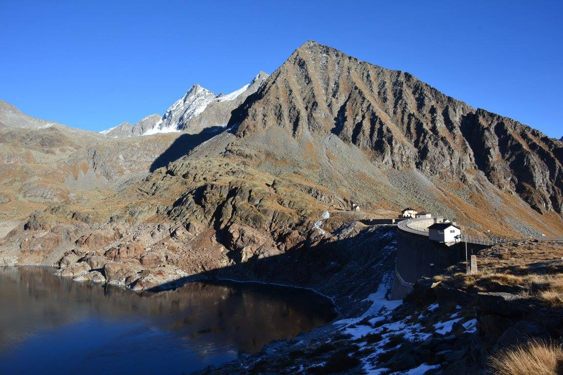 rifugio, lago e diga del Baitone