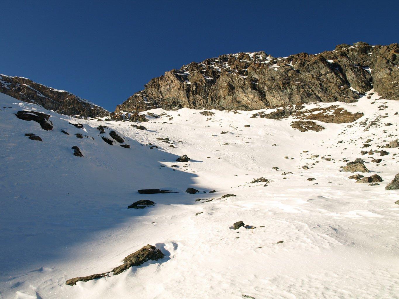 Quota 2771 m, avvicinamento al colletto con neve sempre più profonda e non portante