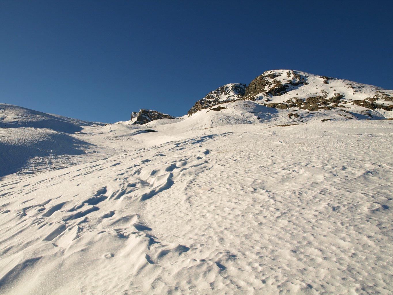 Avvicinamento a Bec Costazza su neve portante