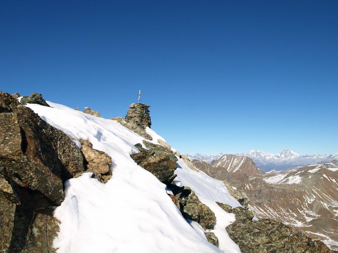 Finalmente in vista della cima del Bec Costazza (3092 m)