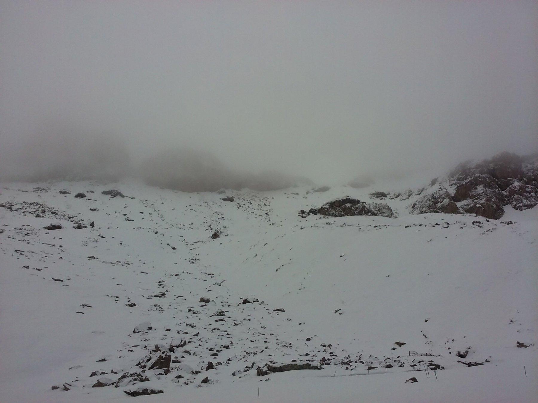 I pendii verso la bassa di Terrarossa dai pressi delle grange dell'Autaret.