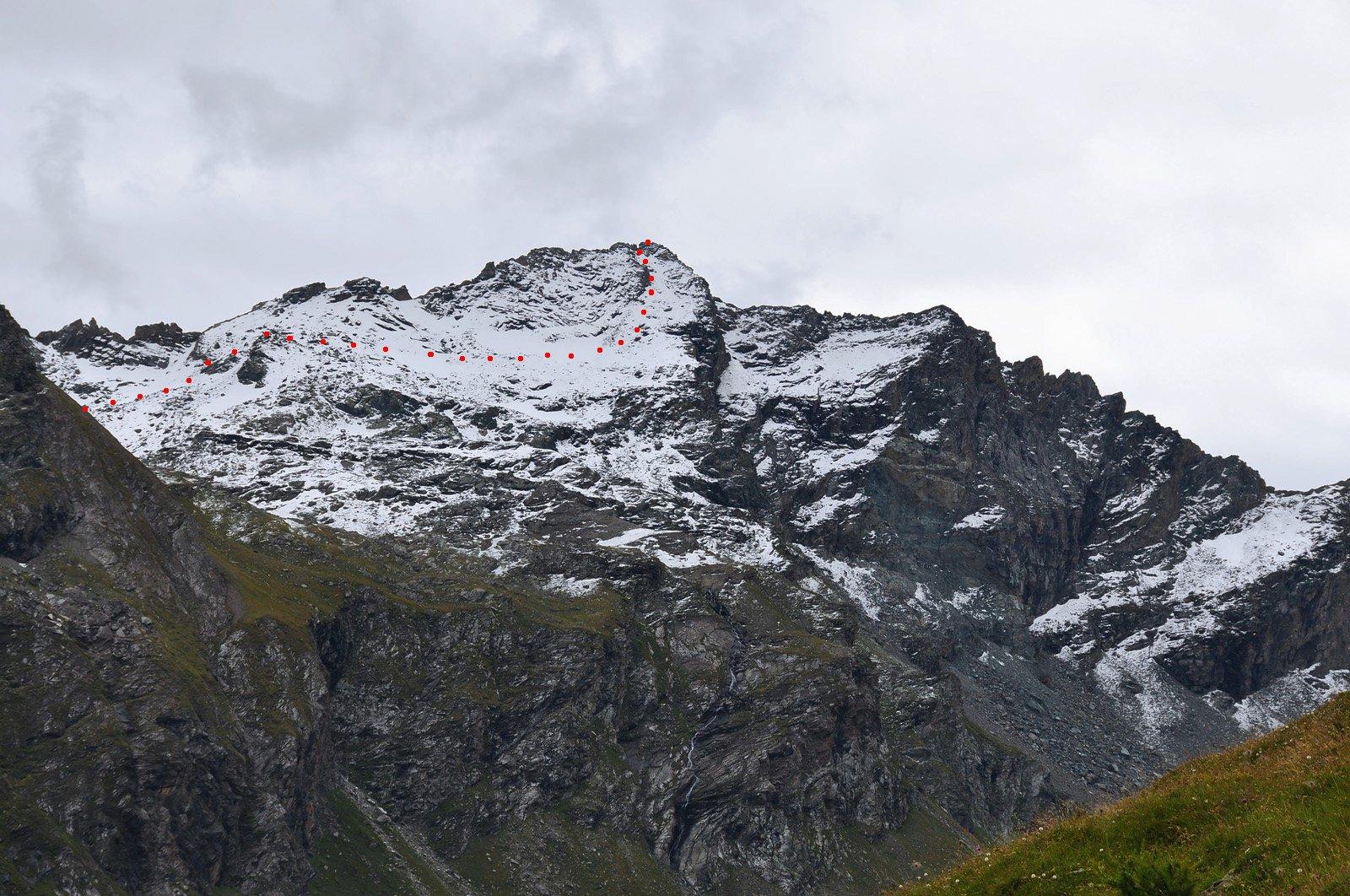il versante con il percorso visto dalla Val Clavalitè (da Summitpost)