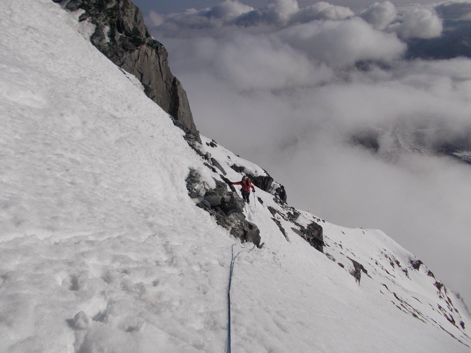 nel lungo e infido traverso a prendere la cresta a monte della Bocca di Mottiscia..