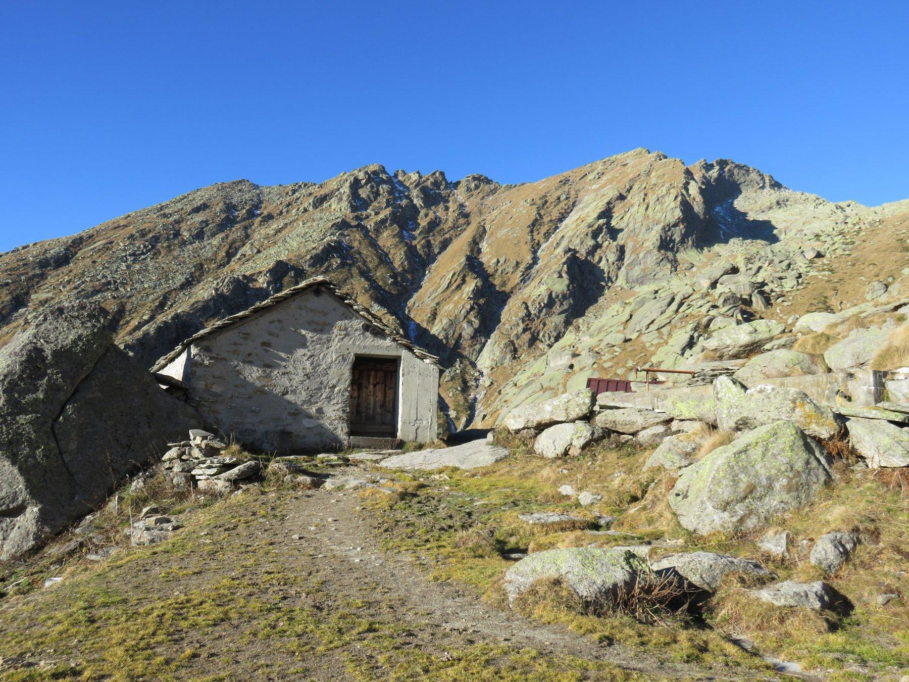 Alpe Mandetta con Cima e Cresta Testona