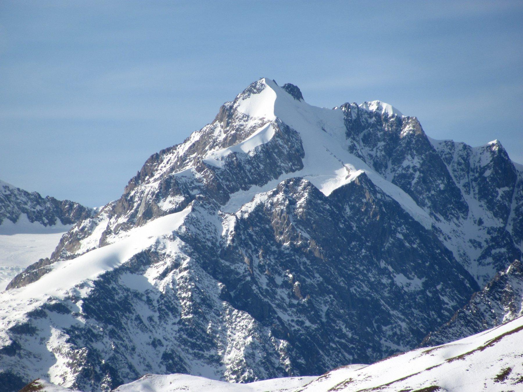 zoom su Piccolo Monte Bianco e Aiguille de Trelatete