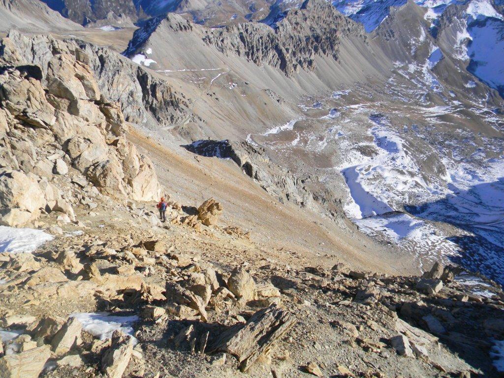 versante SE, sconfinante in Val Stura, ove si sviluppa la normale escursionistica di salita, oggi di discesa