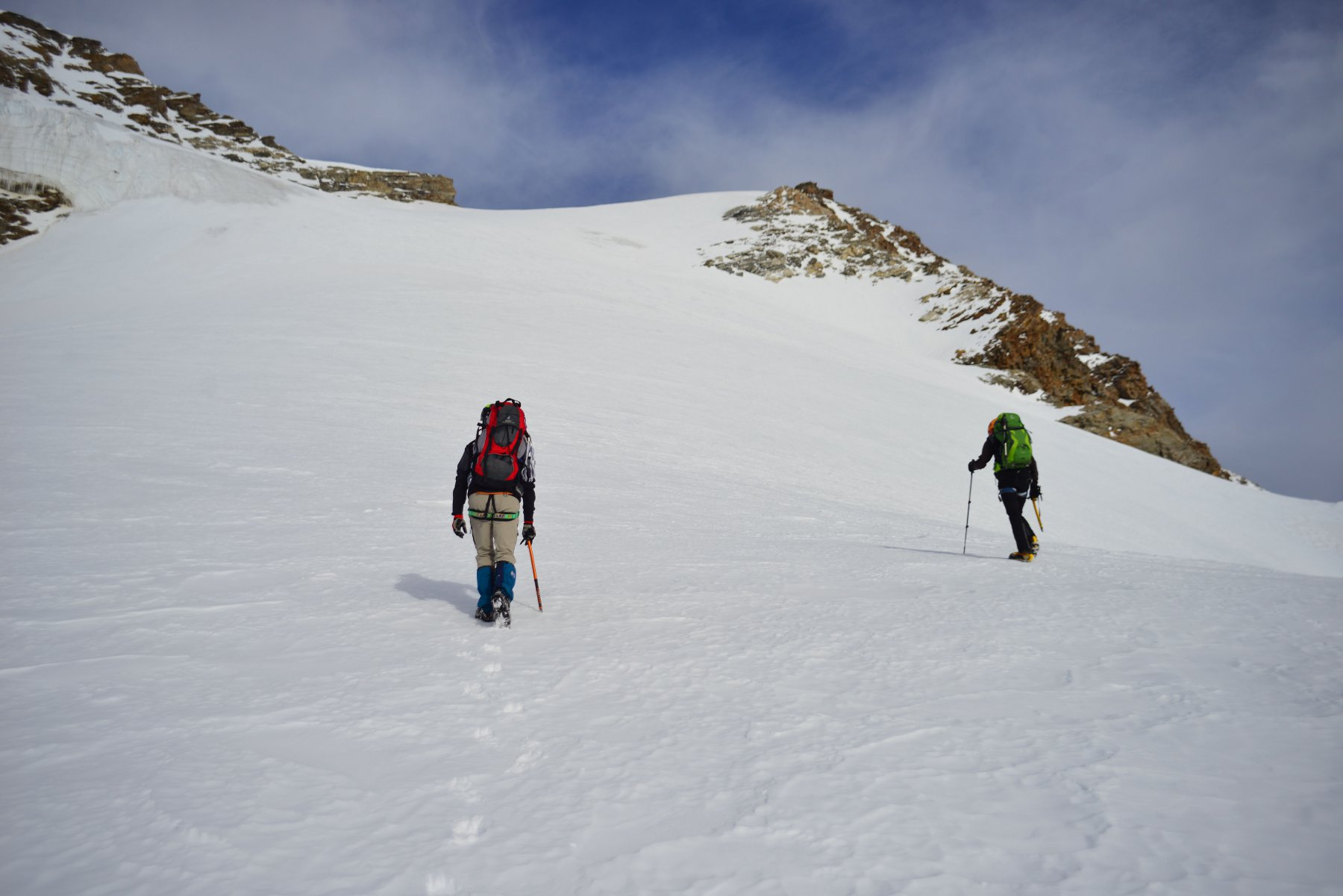 verso il ghiacciao con roccette a dx