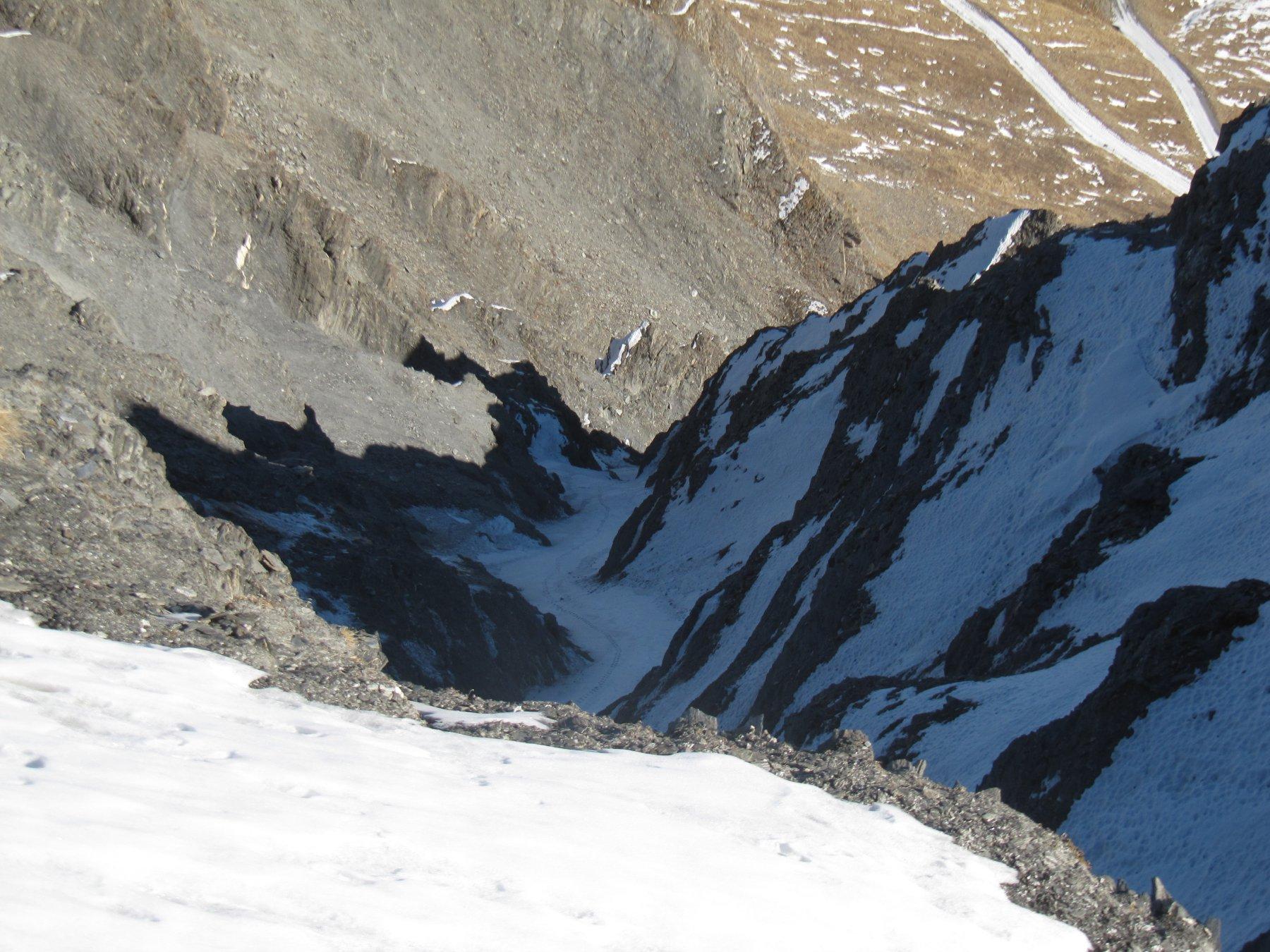 Il canale visto dalla cresta per la Punta dell'Alp