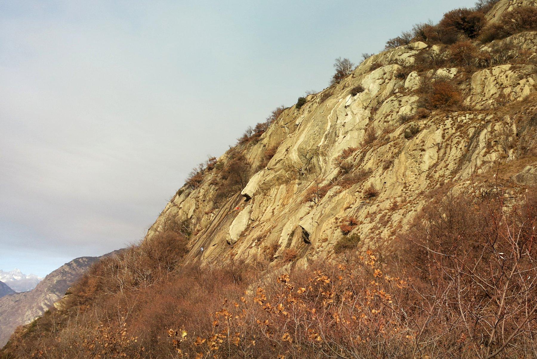 la parete della GattoNando dal sentiero di avvicinamento
