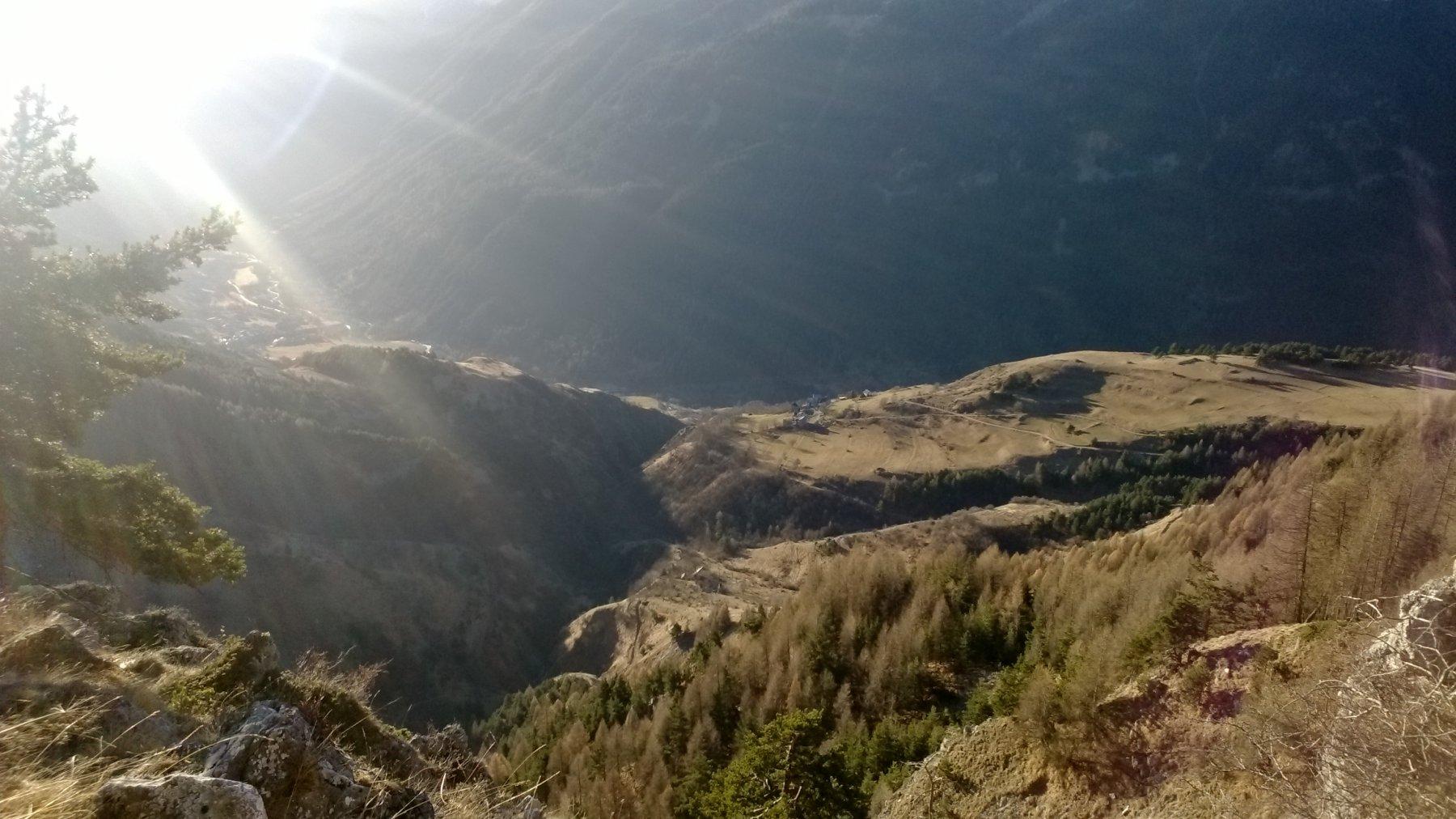 Moriglione San Lorenzo e Sambuco al primo sole mattutino visti in prossimità del Pilone
