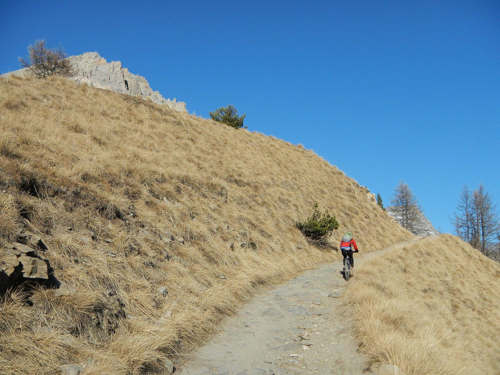 spunta la cima del Monte Seguret