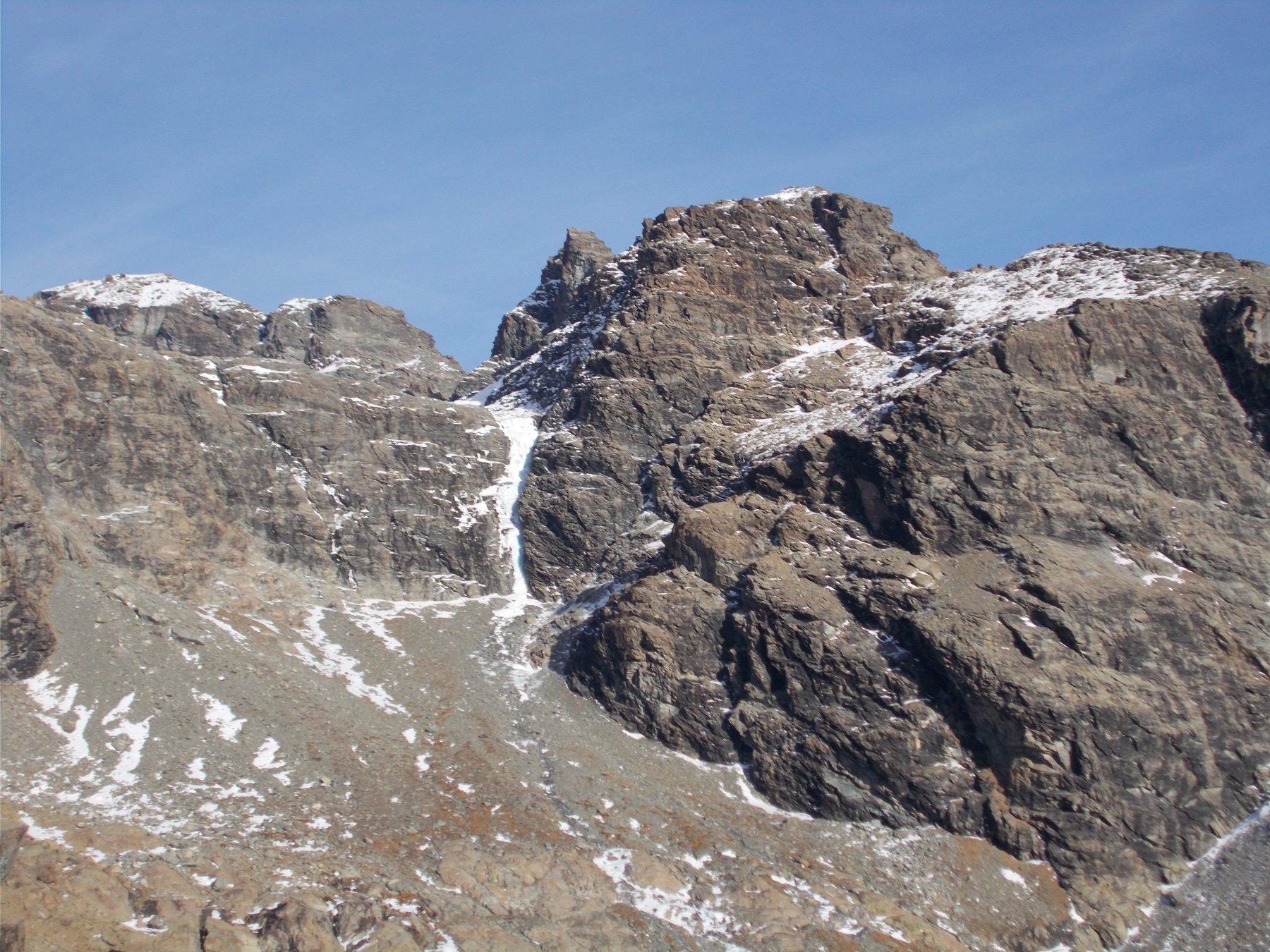 la Rocca di Verra dai pressi del Palon di Tzere..sulla via del ritorno..