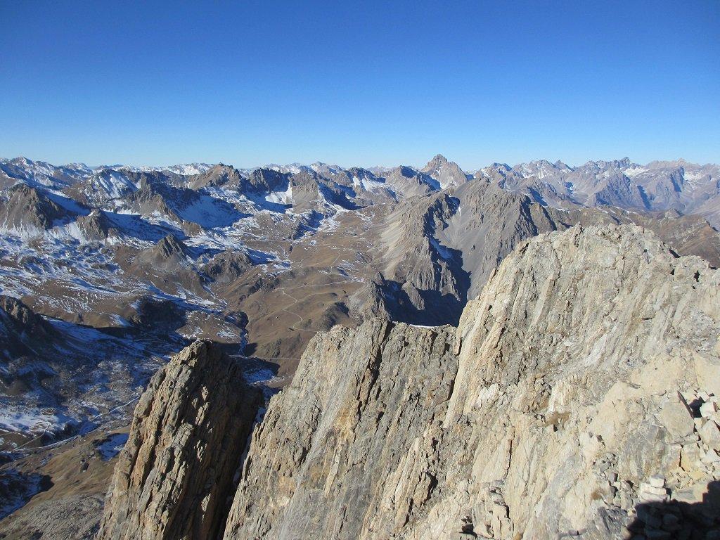 Panoramica dalla cima Meja