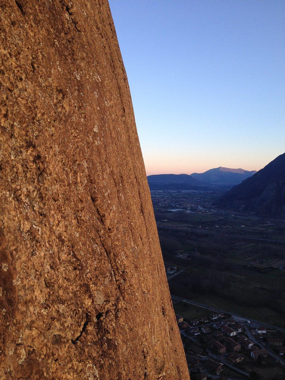 La splendida colorazione rossastra della roccia alla luce del tramonto