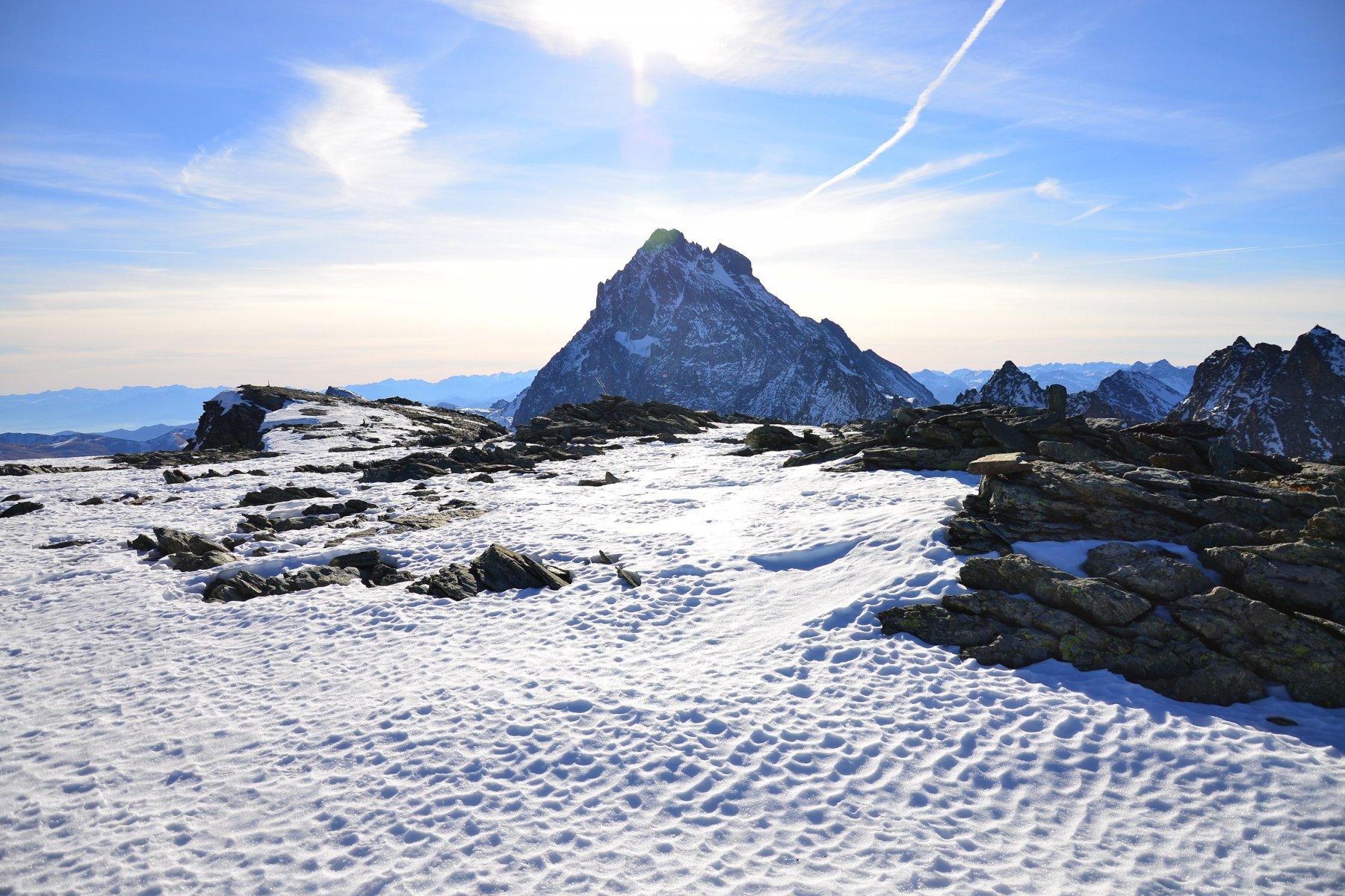 Punta Meidassa e sullo sfondo il Monviso
