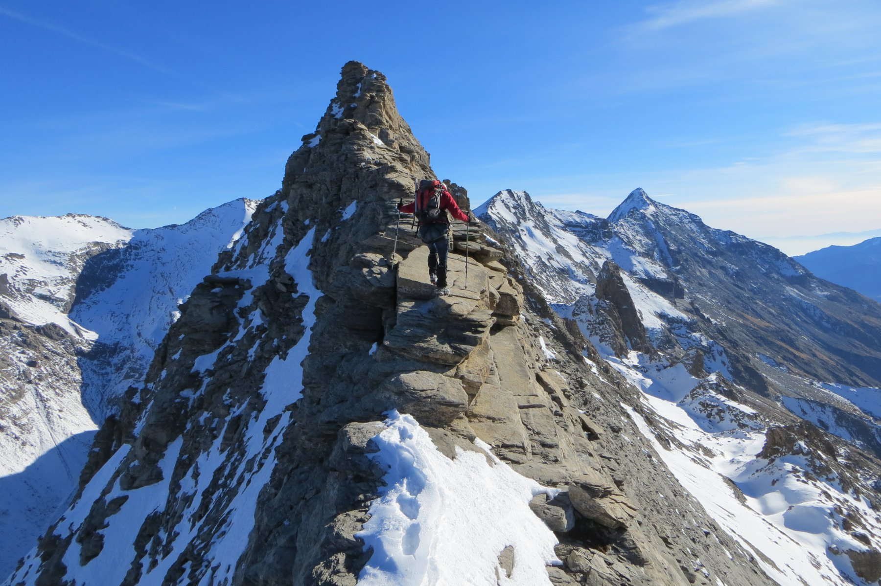 in cresta verso la quota 3253m..con il Rocciamelone in bella vista..