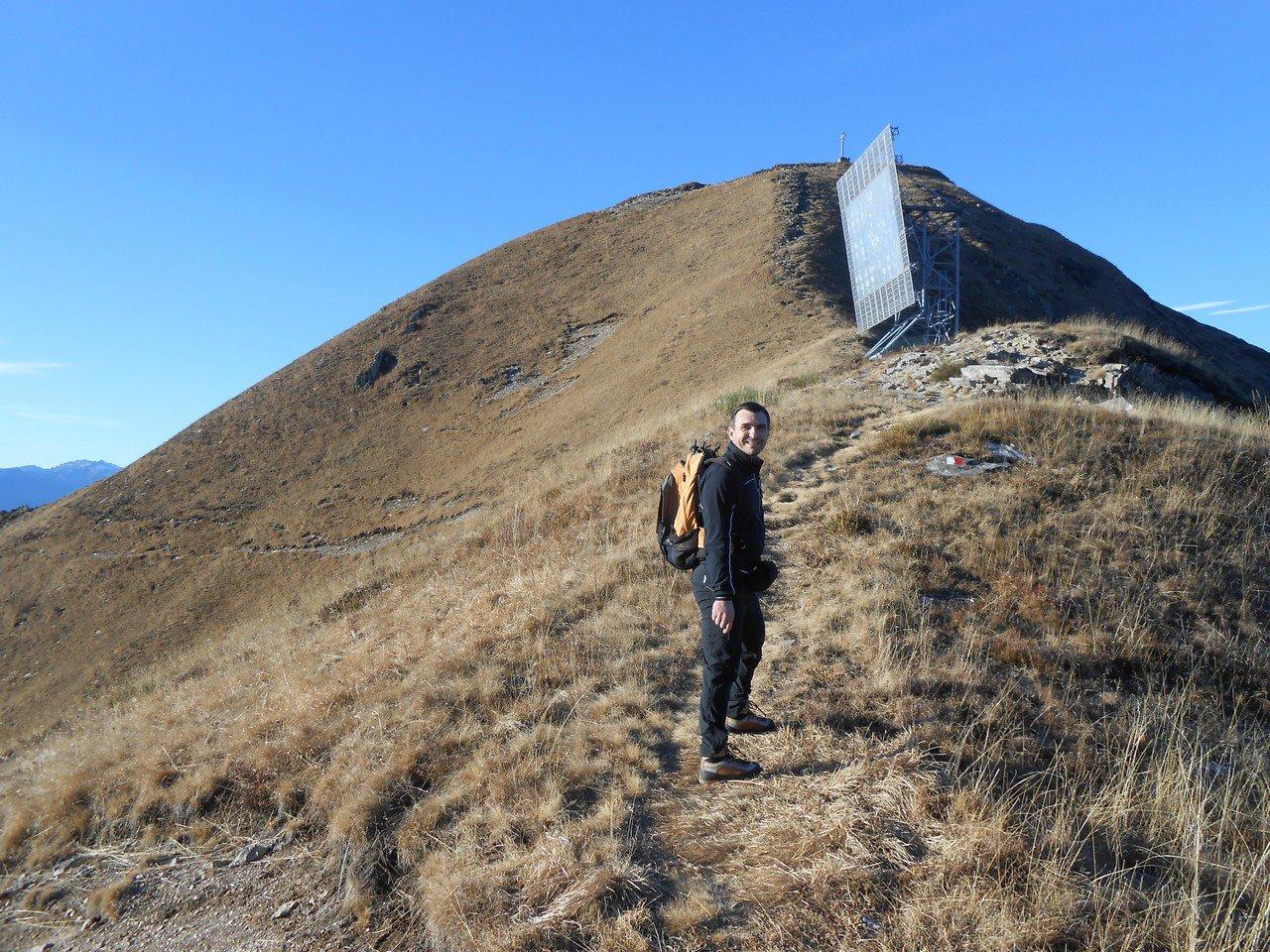 Saliamo la cresta che porta al Moncucco