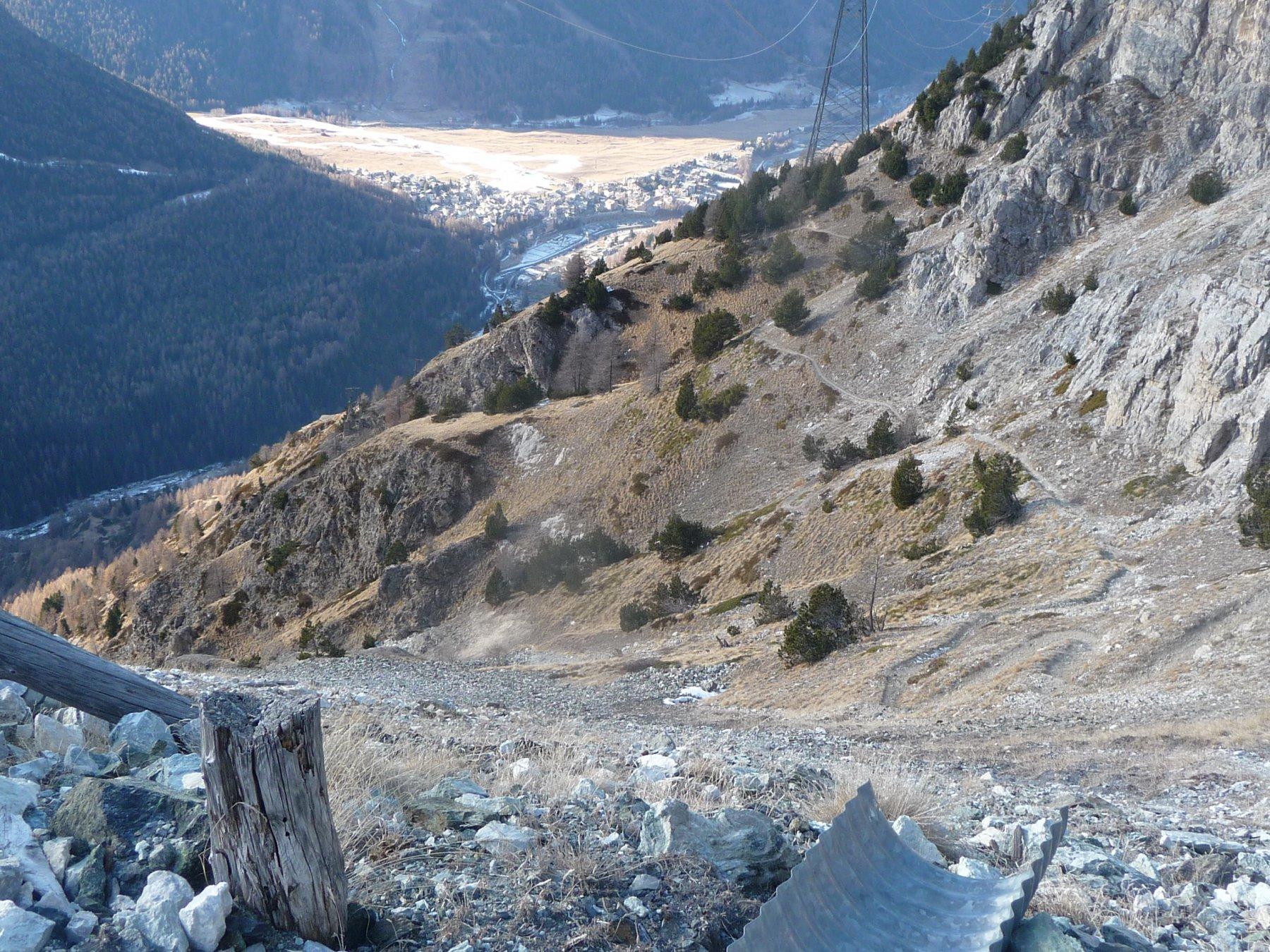 la partenza del sentiero da Colonna a Costa del Pino