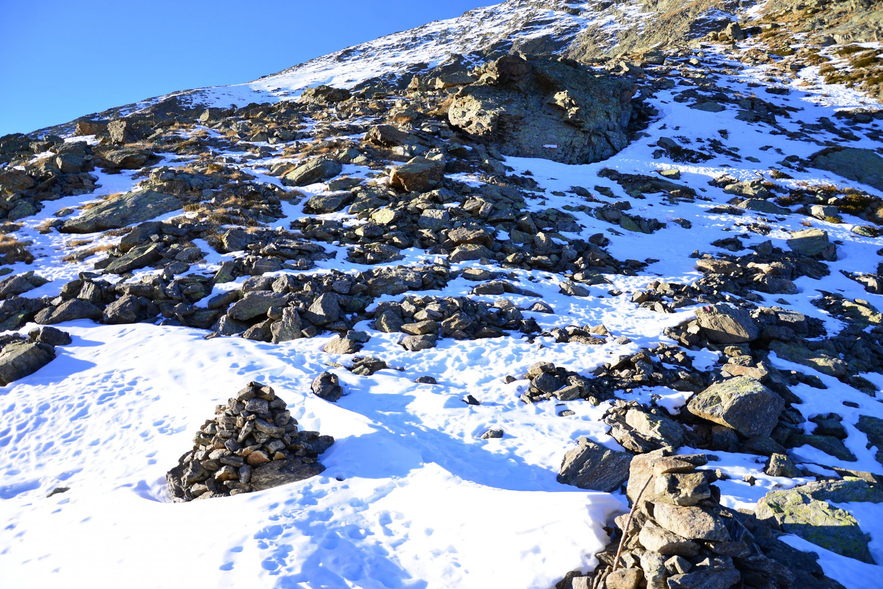 attacco del sentiero finale, dal Passo Laroussa