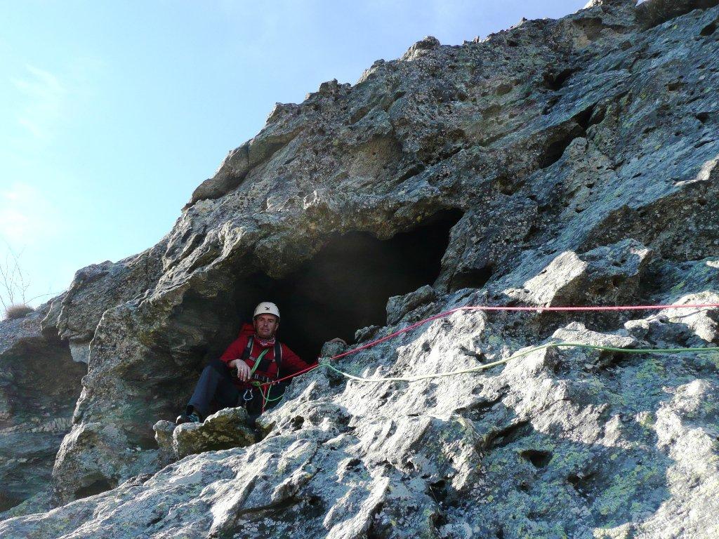 Grotta a sinistra della partenza di L4