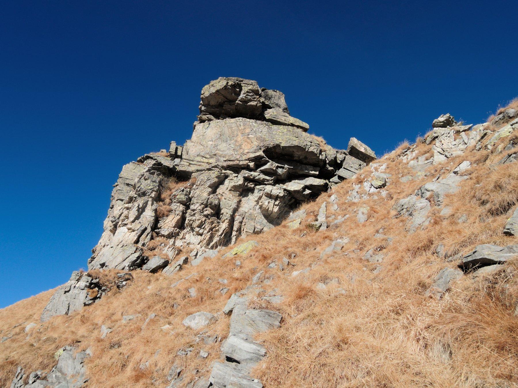 Formazione rocciosa lungo la cresta