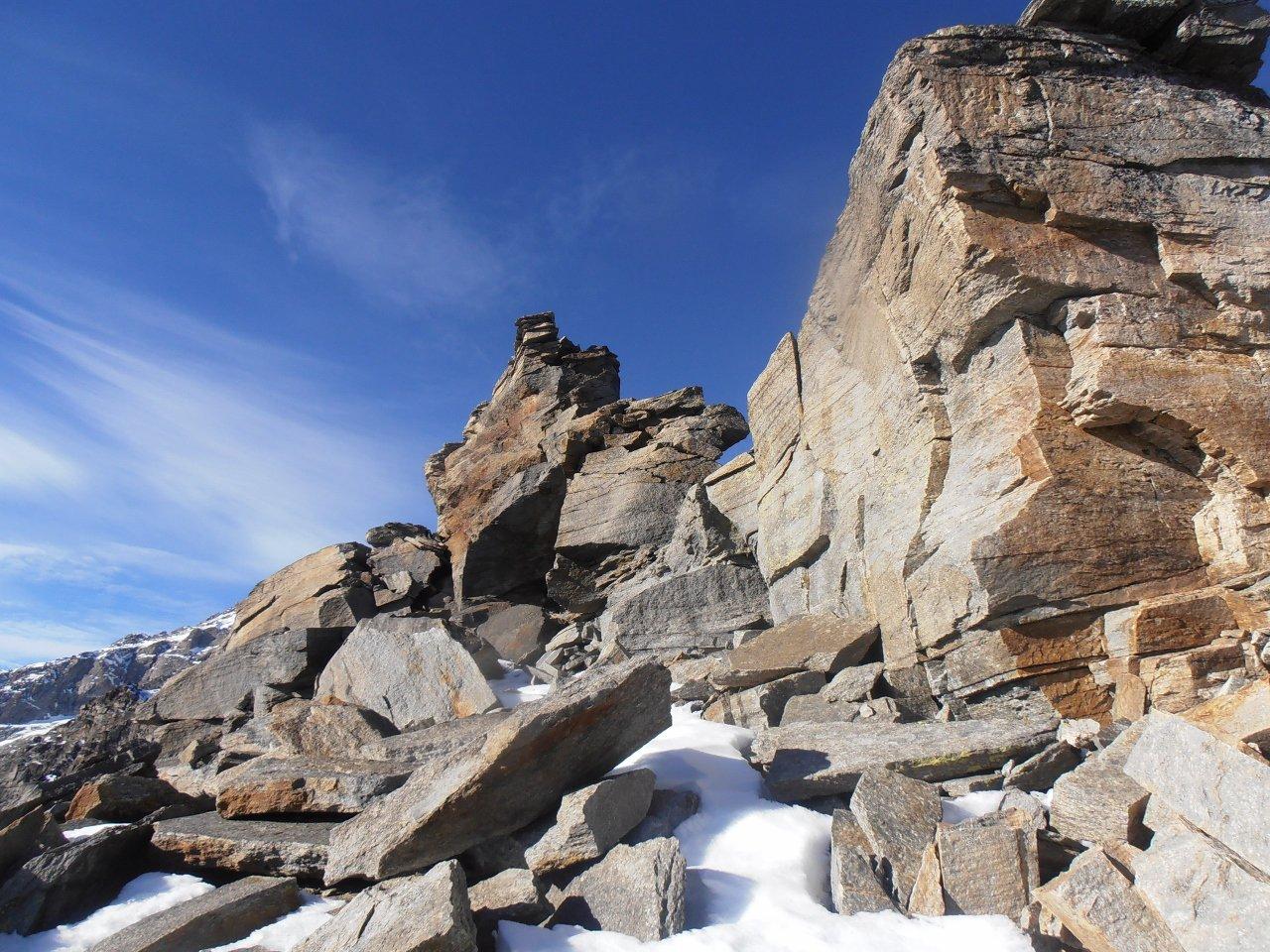 08 - sotto il castelletto roccioso della vetta